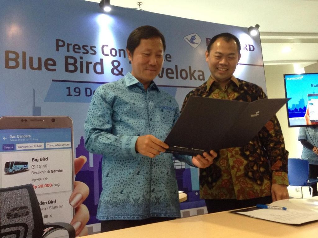 Traveloka Gaet Blue Bird untuk Mobil Antar Jemput Bandara