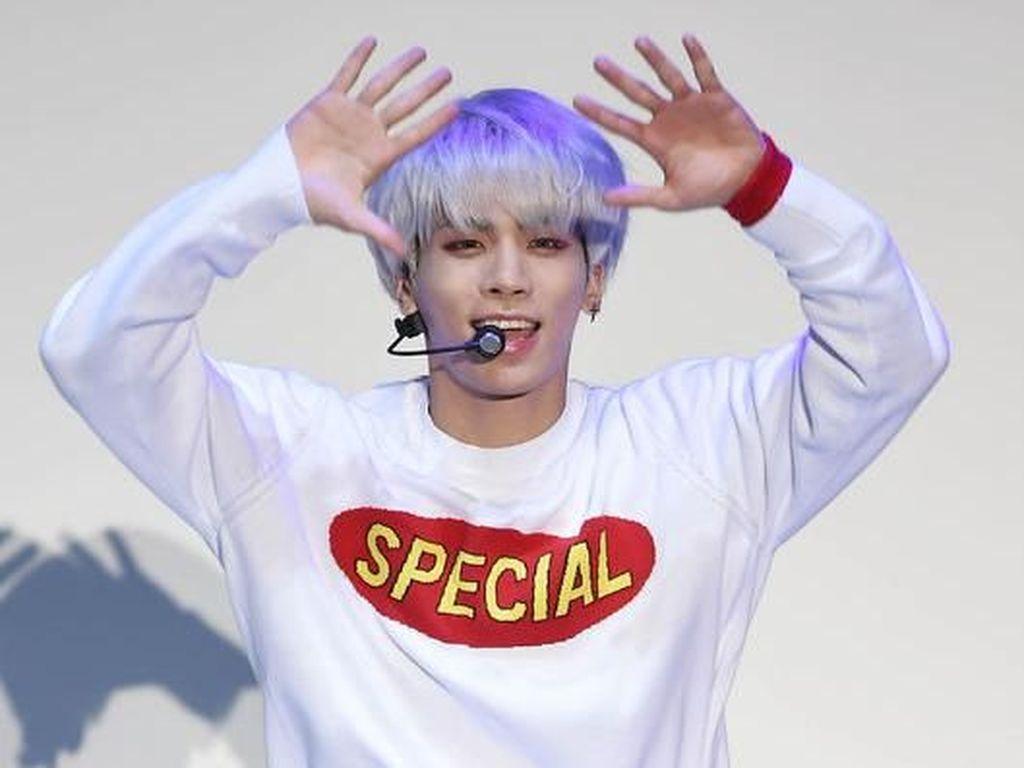 SM Entertaiment Akan Rilis Album Mendiang Jonghyun SHINee