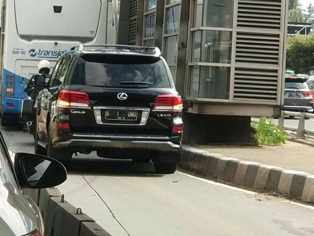 Polisi-Petugas Samsat akan Datangi Pemilik Mobil B-1-UNO