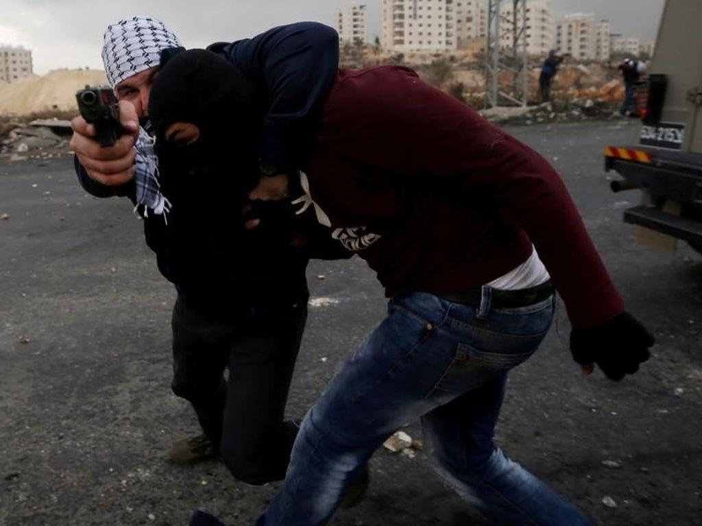 Kisah Mustaribeen, Intel Penyusup Demonstran Palestina