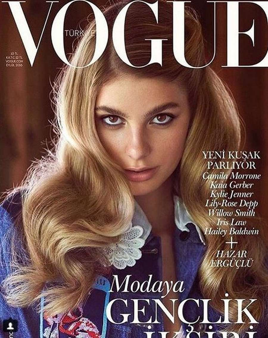 Pesona Camila Morrone yang Luluhkan Hati Leonardo DiCaprio