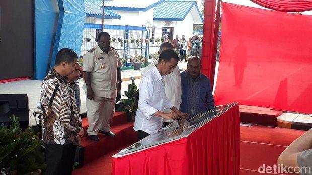 Resmikan Pembangkit di Nabire, Jokowi: Desa di Papua Harus Terang
