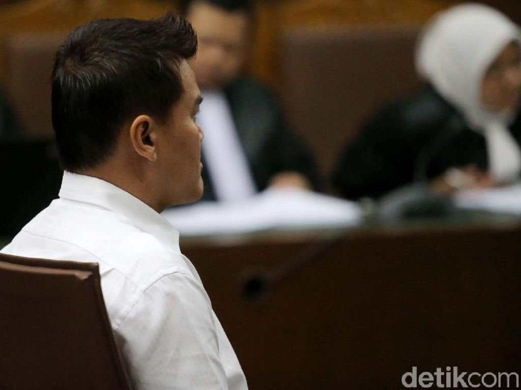 Terbukti Korupsi, Andi Narogong Diganjar 8 Tahun Penjara