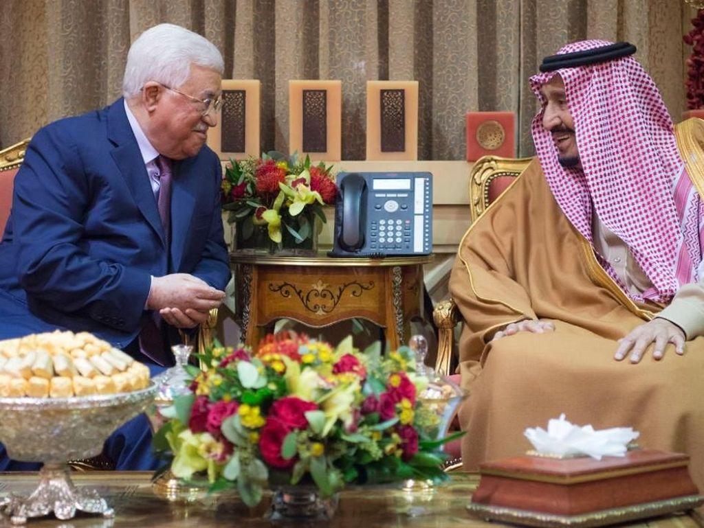 Presiden Palestina Bertemu Raja Salman, Bahas Nasib Yerusalem