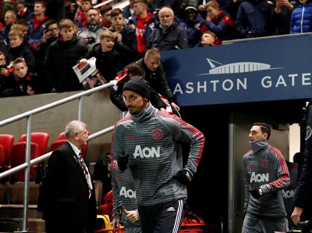 Mourinho: Ibrahimovic Siap Jadi Starter