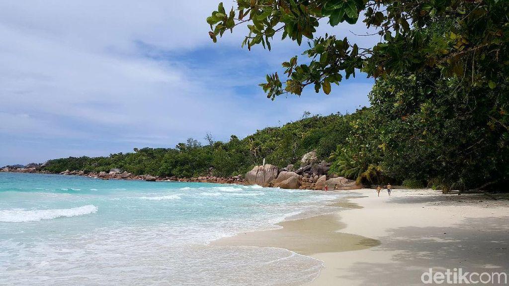 Foto: Anse Lazio, Pantai Ketiga Terindah Dunia di Seychelles