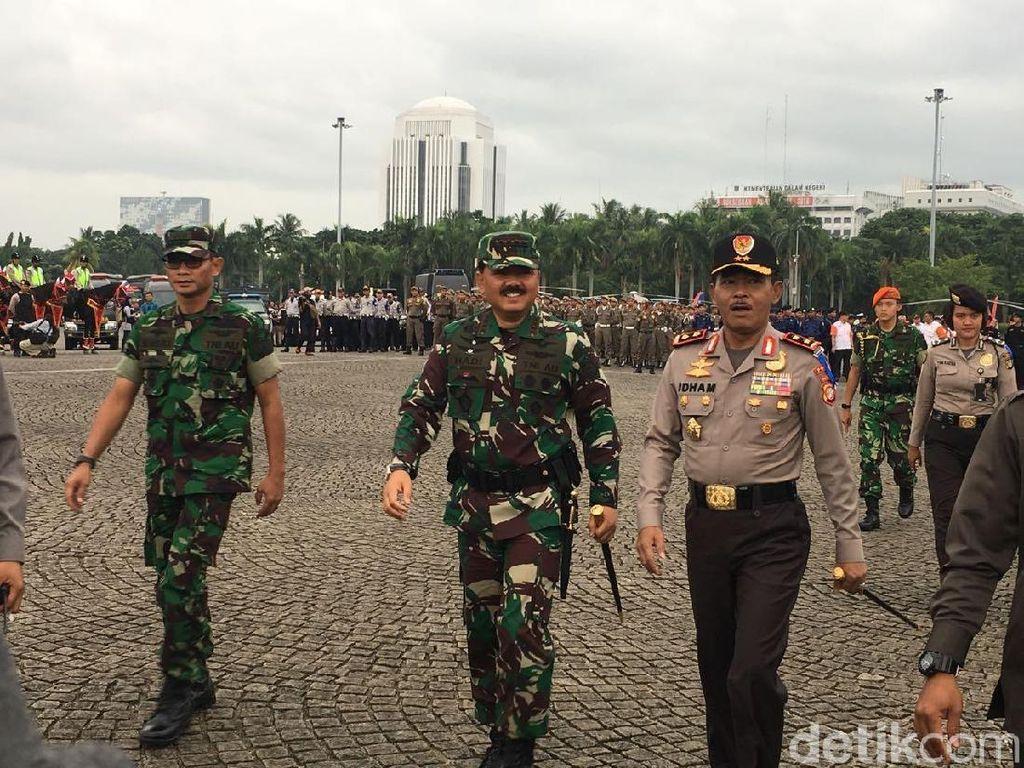 Panglima TNI, Kapolri dan Sandi Hadiri Apel Operasi Lilin di Monas