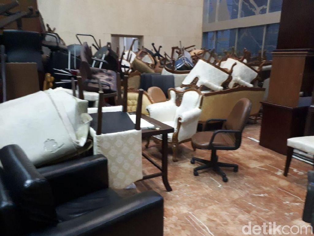 Penjelasan MPR soal Tumpukan Barang Terbengkalai di Gedung Parlemen