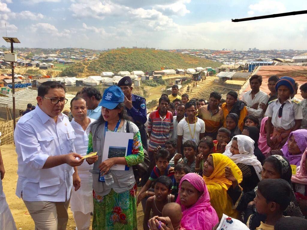 Foto: Momen Fadli Zon Temui Pengungsi Rohingya di Bangladesh