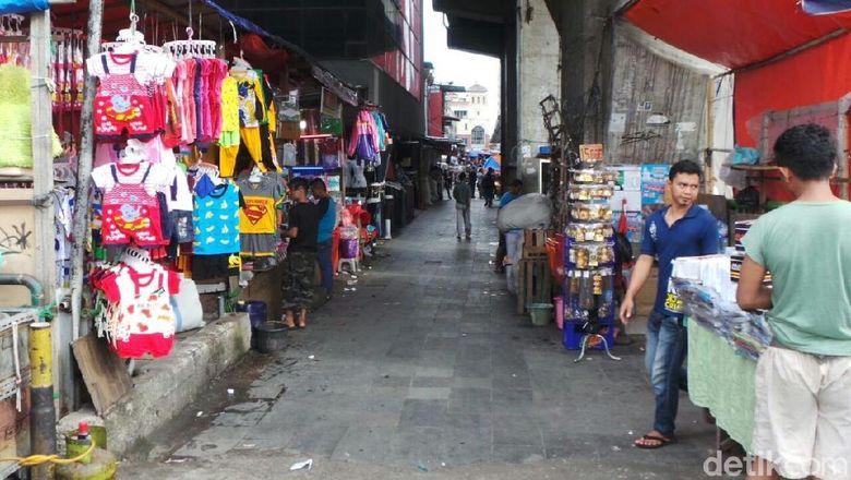 Pedagang di Pasar Blok G Kesal: Mending Saya Jadi PKL Aja!