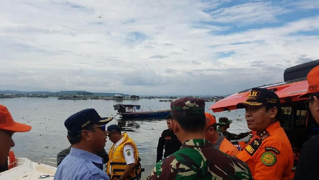 Air Keruh Cirata Jadi Kendala Pencarian Korban Kapal Tenggelam
