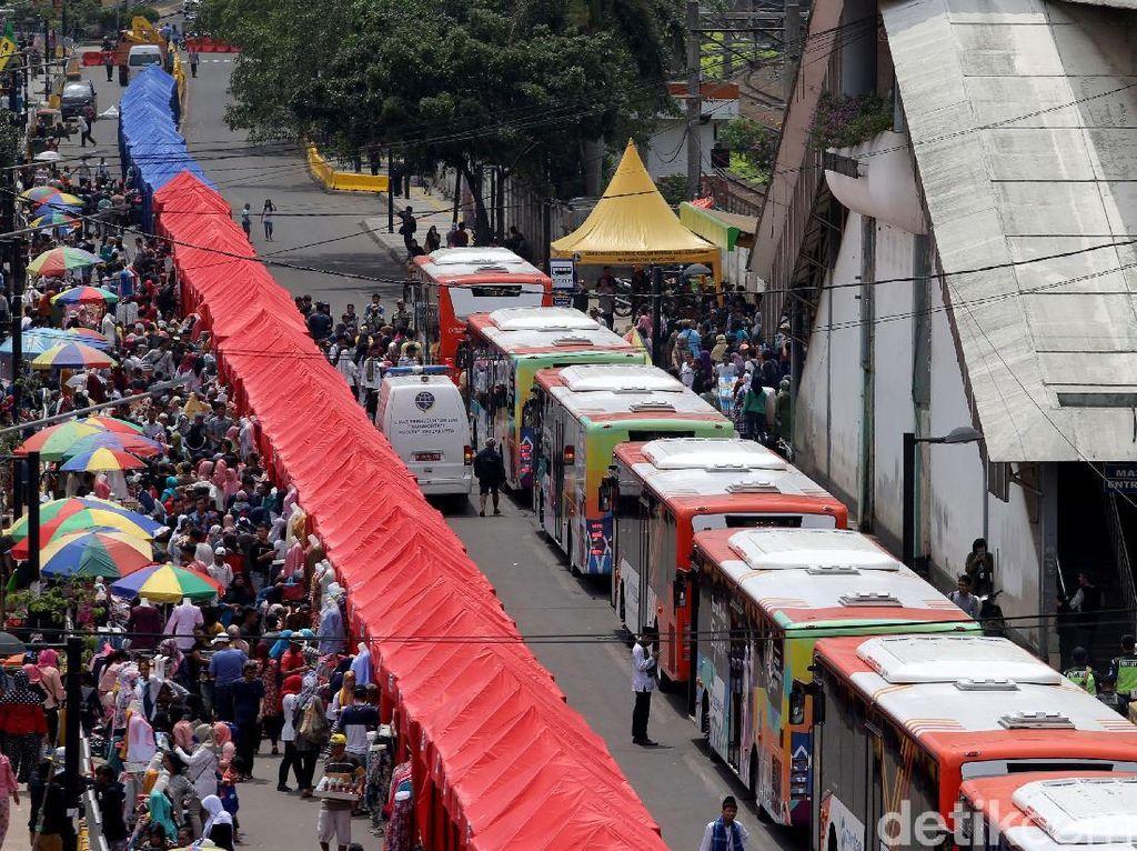 Pengamat: Sayang, Jalan Dibangun Mahal Hanya untuk PKL