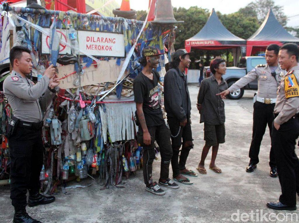 Bikin Macet Jalanan Garut, Vespa Gembel Ditilang Polisi