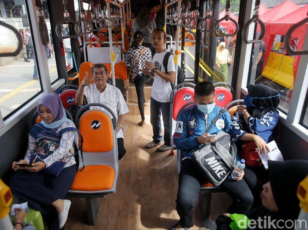 Foto: Gratis, Yuk Coba Bus Explorer Tanah Abang