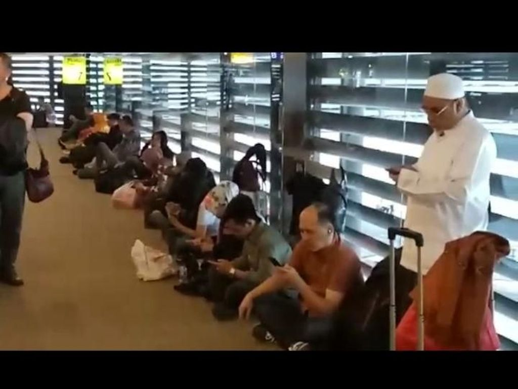Antrean Horor Penumpang di Bandara Cengkareng Pada Libur Natal