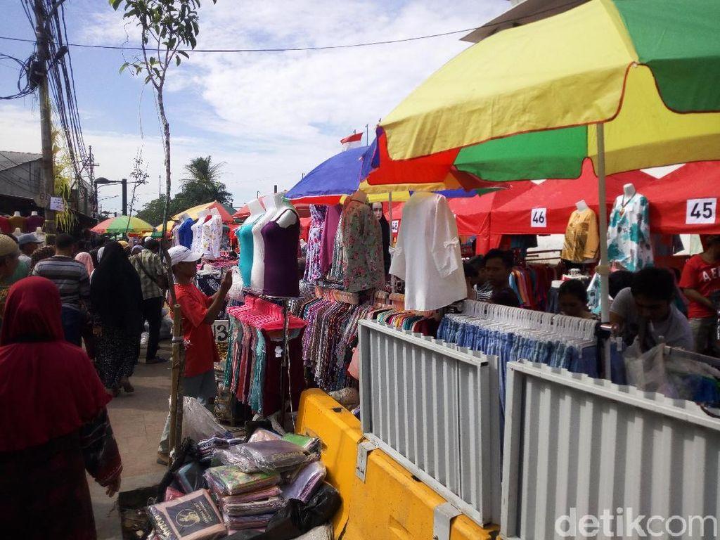 Foto: Melihat Suasana PKL Tanah Abang di Hari Kedua Penataan