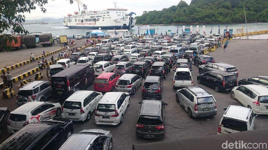 385 Ribu Orang Mudik ke Sumatera Via Merak Selama Libur Natal