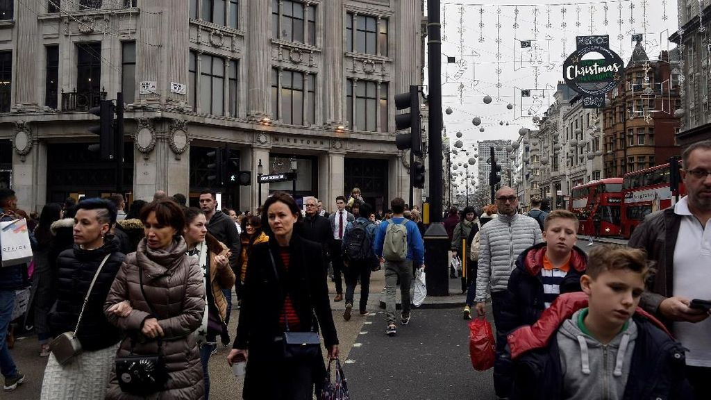 Foto: Ramainya Oxford Street London Jelang Natal