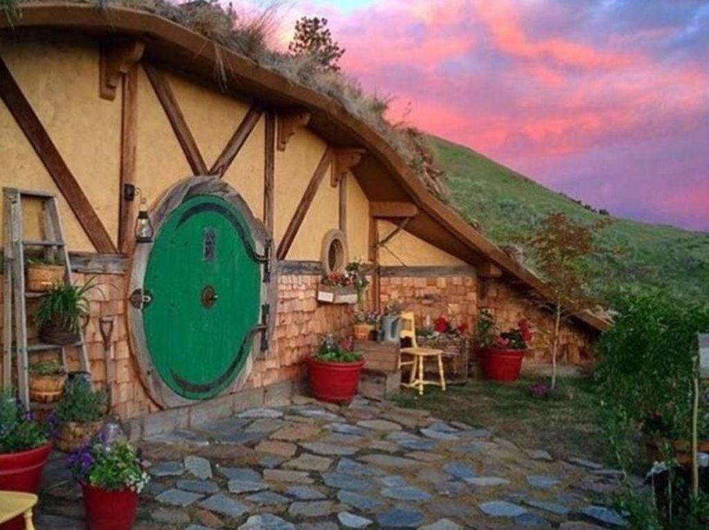 Yuk, Rasakan Sensasi Tinggal di Rumah Hobbit