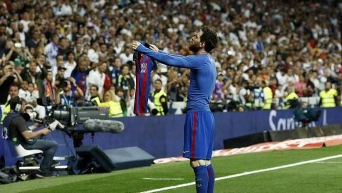 Selebrasi Messi Barca vs Messi