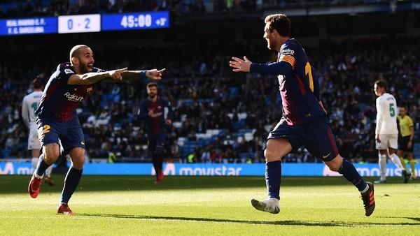 Ternyata Messi Cuma Pakai Satu Sepatu Saat Beri Assist ke Vidal