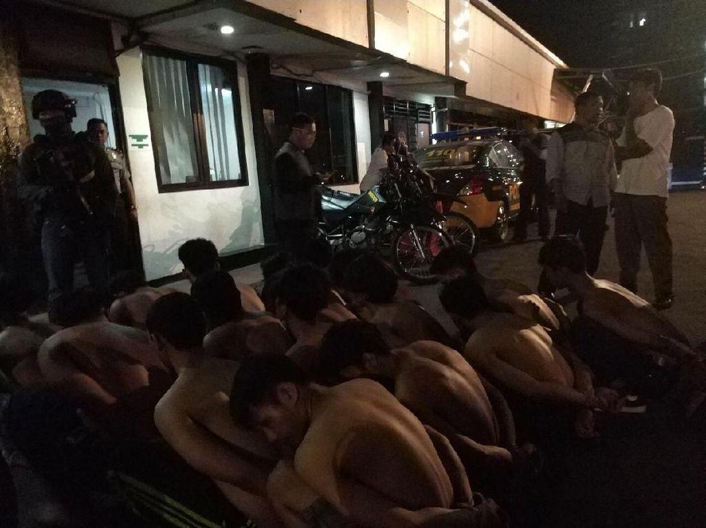 Polisi: Geng RBR Terlibat Aksi Penjarahan Toko di Depok