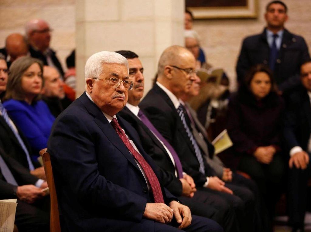Foto: Saat Presiden Palestina Hadiri Misa Natal di Gereja Tepi Barat