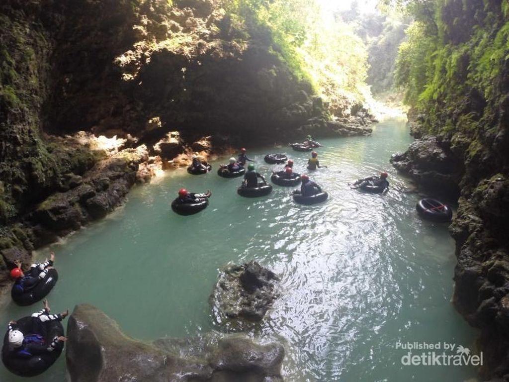 Celebrity on Vacation: Jelajah Gua di Kalisuci Gunung Kidul