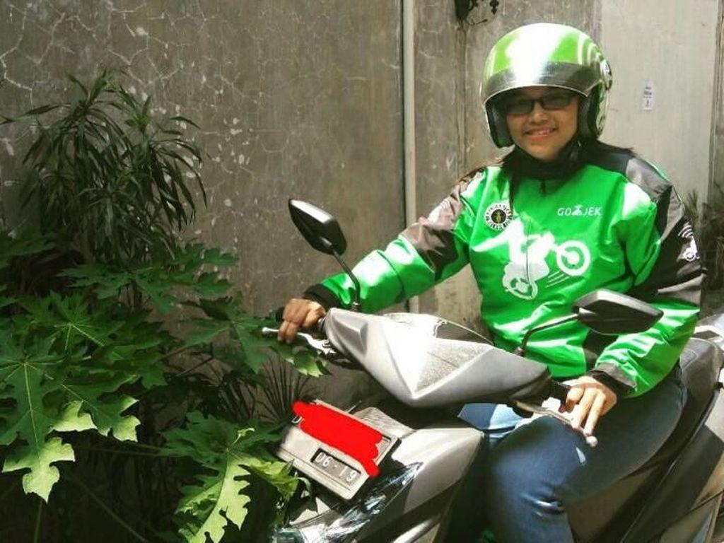 Pipit, Single Mom Tangguh yang Jadi Driver Go-Jek
