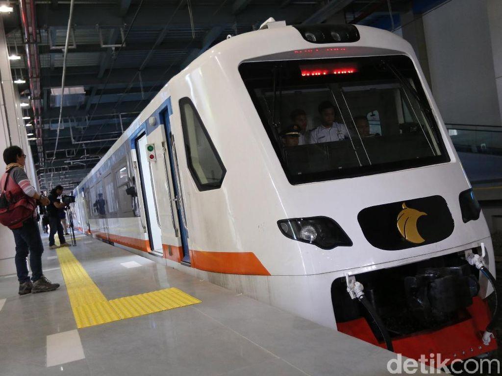 Bayar Rp 30.000, Warga Antusias Jajal Kereta Bandara Soetta