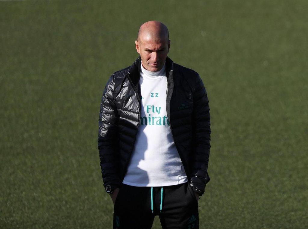 Madrid Bakal Pecat Zidane? Itu Konyol