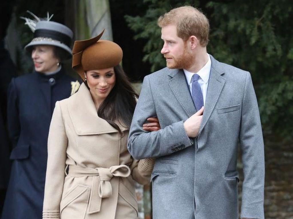 Beda Gaya Kate Middleton-Meghan Markle di Natal Pertama Bareng Ratu Elizabeth