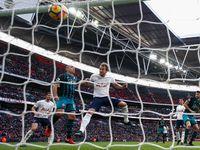 Kane Hat-trick, Spurs Benamkan Southampton 5-2