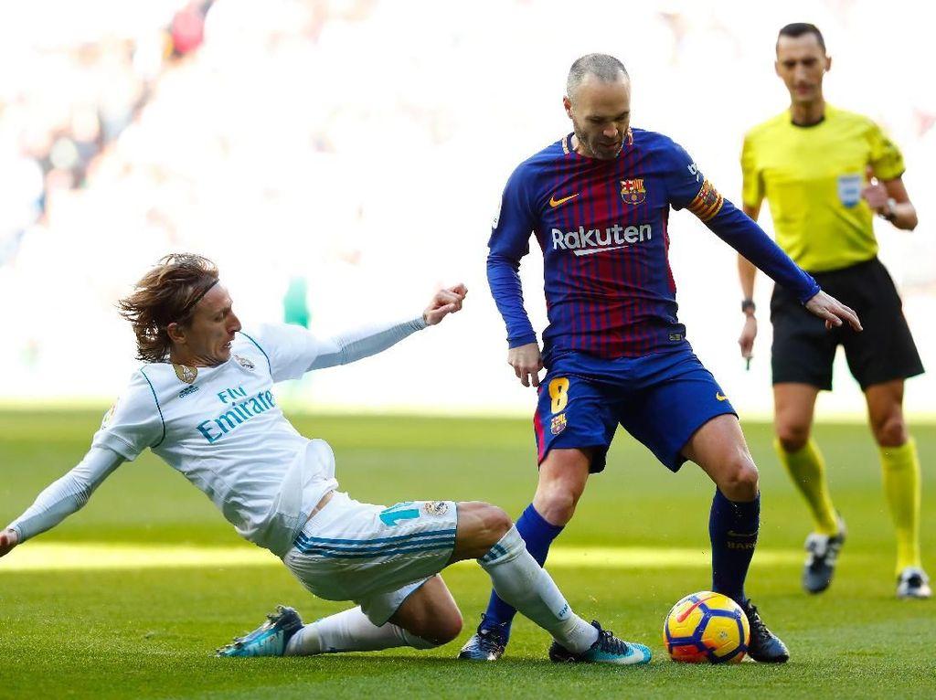 Barca Unggul Jauh dari Madrid, Iniesta: Kompetisi Masih Panjang
