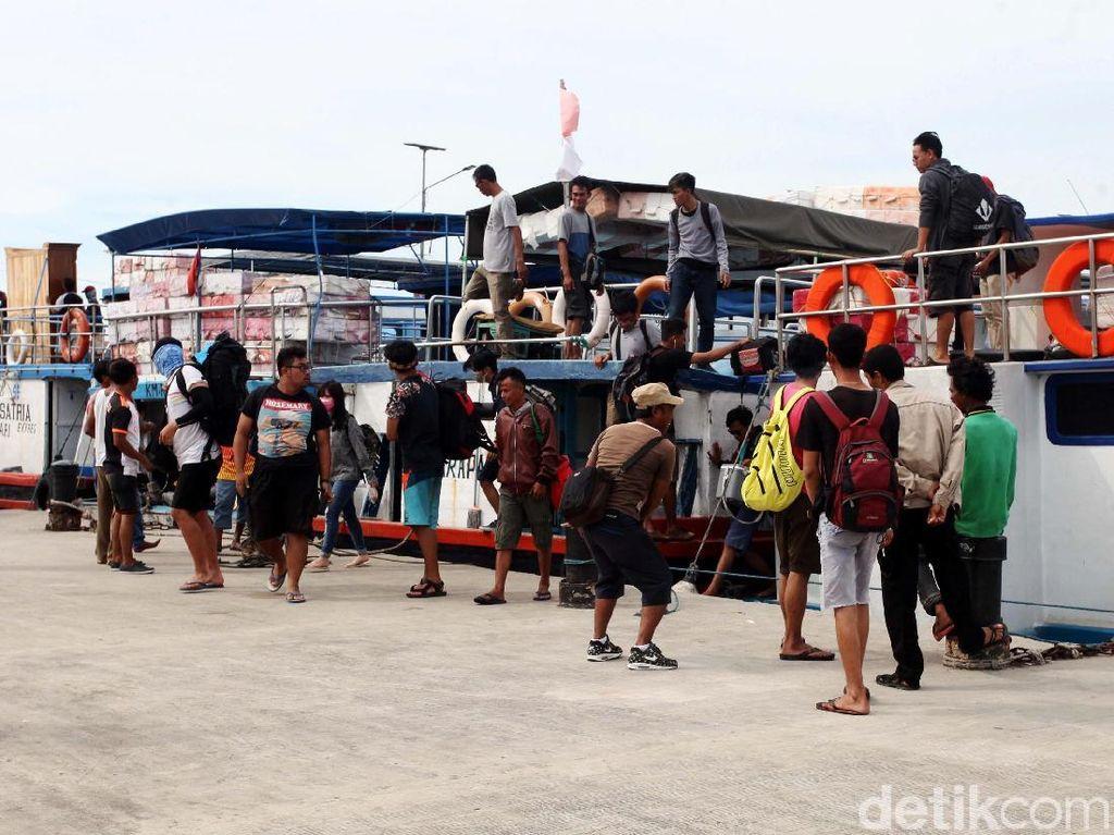 Duh! Ribuan Wisatawan ke Kepulauan Seribu Terlantar