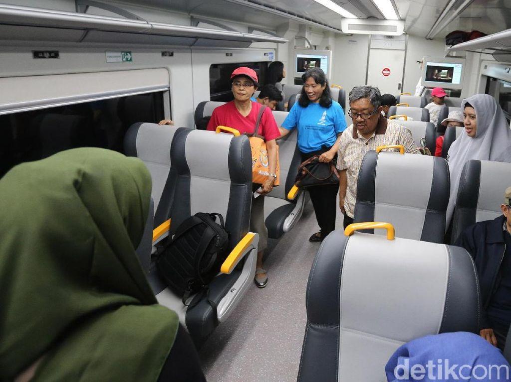 Sementara Penumpang Bisa Naik KA Bandara Cukup Pakai Tarif KRL
