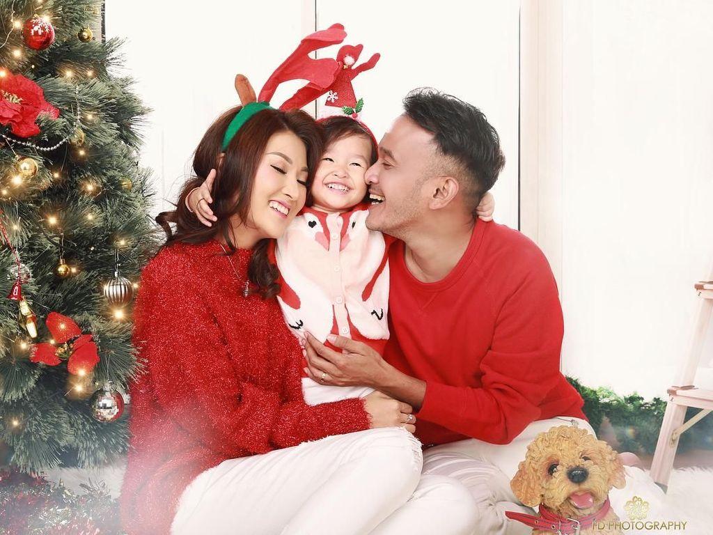 Gaya Selebriti Rayakan Liburan Natal