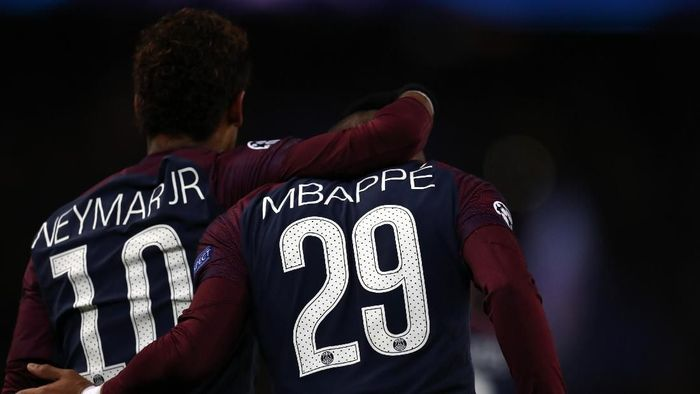 Bayern Munich menyebut PSG dan City jadi biang inflasi bursa transfer pemain. (Foto: Catherine Ivill/Getty Images)