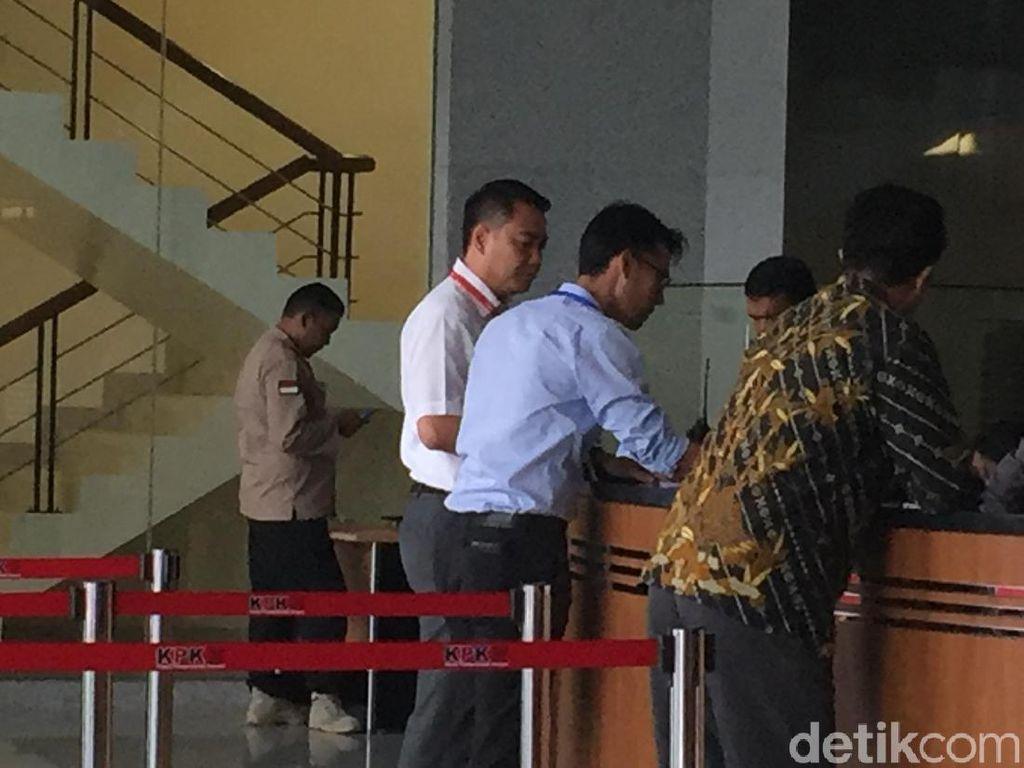 Anggota DPR Fayakhun Andriadi Datangi KPK