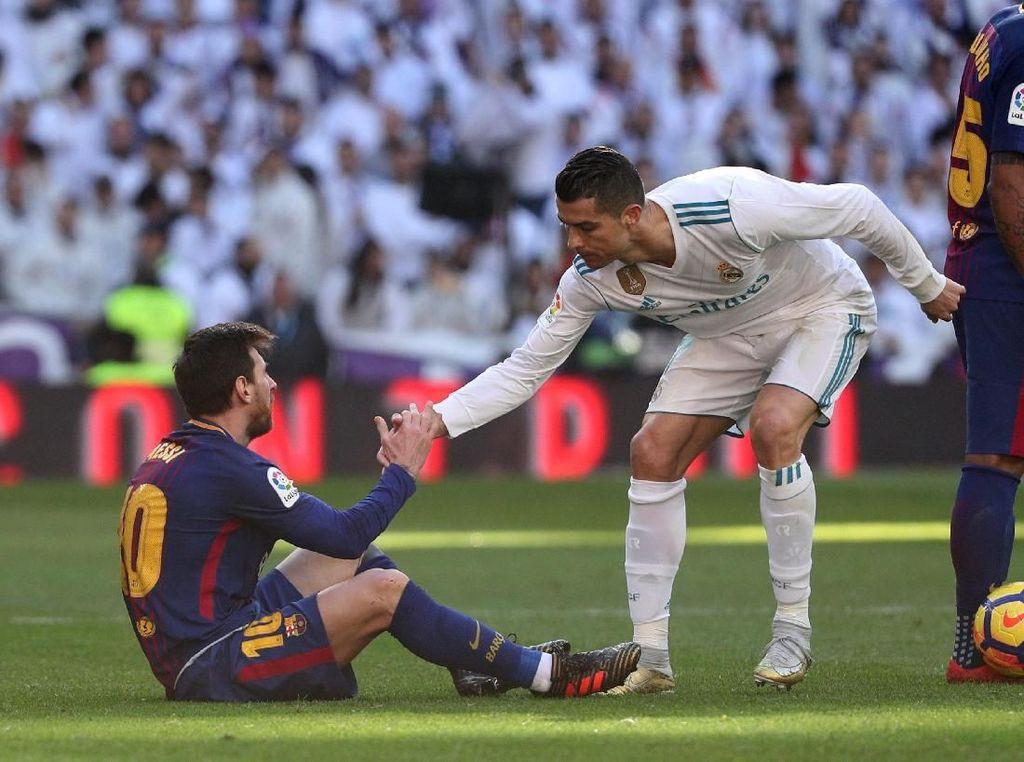 Totti: Messi Nomor Satu, tapi Jangan Bilang Ronaldo Ya!