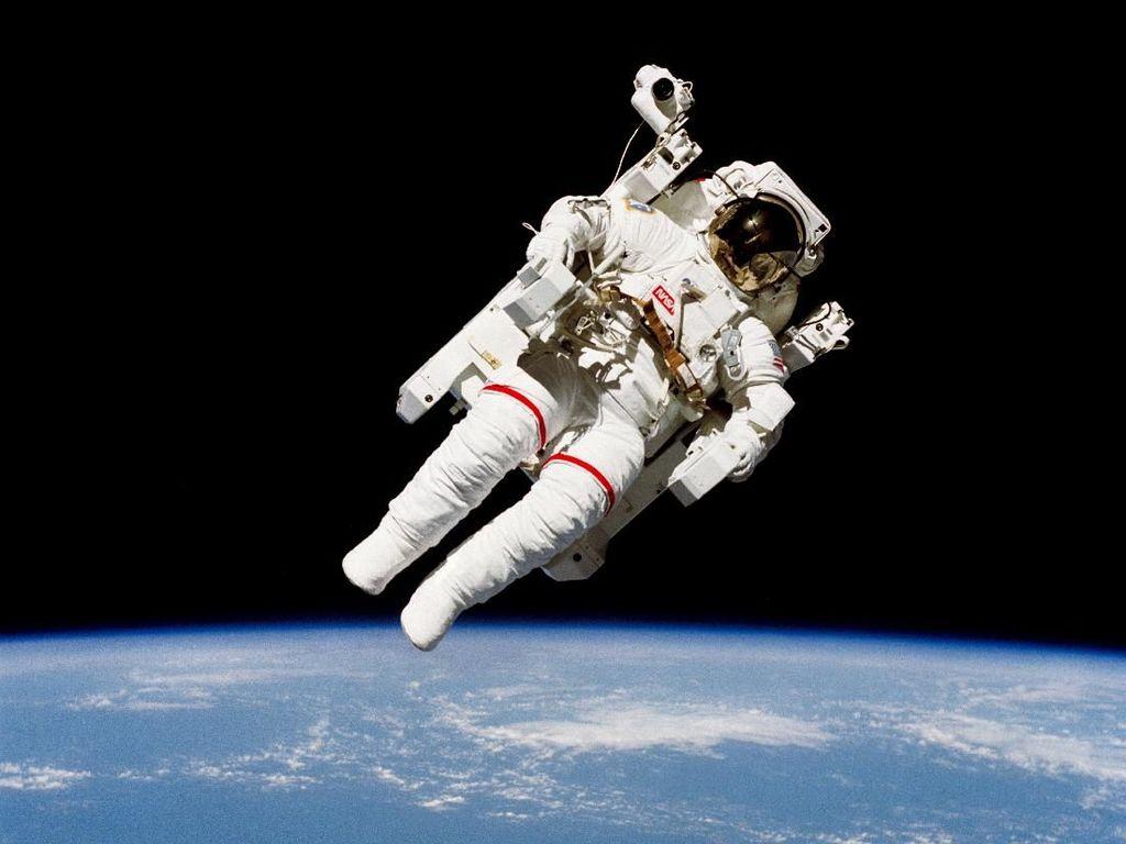 Astronaut Pun Diisolasi Agar Tak Bawa Corona Luar Angkasa