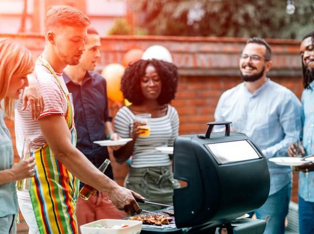 Agar Api Arang untuk Pesta BBQ Bisa Awet Nyala, Ikuti 5 Tips Ini