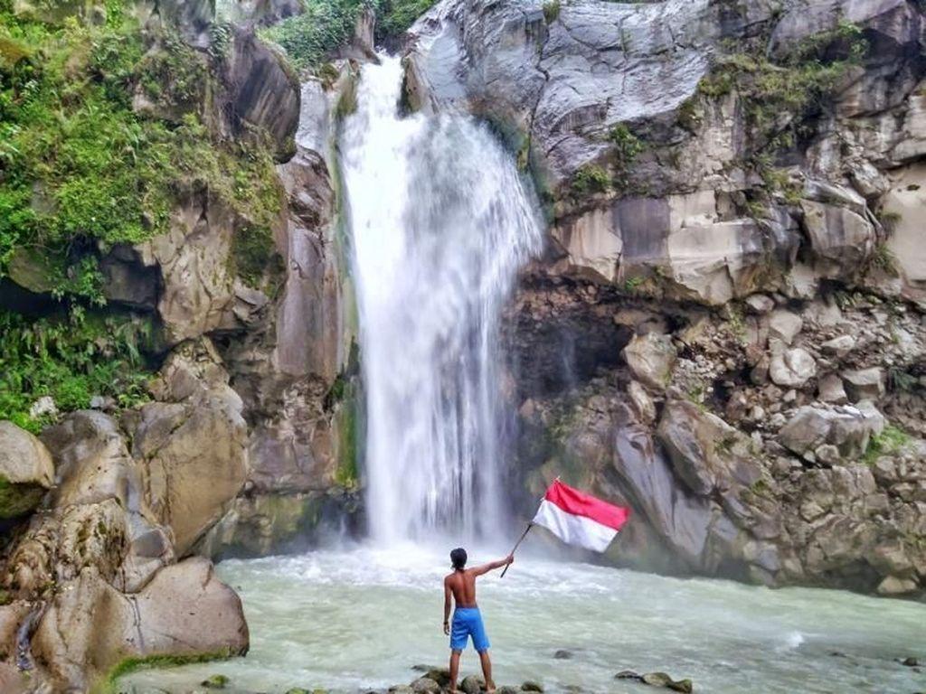 Air Terjun Tersembunyi di Lombok