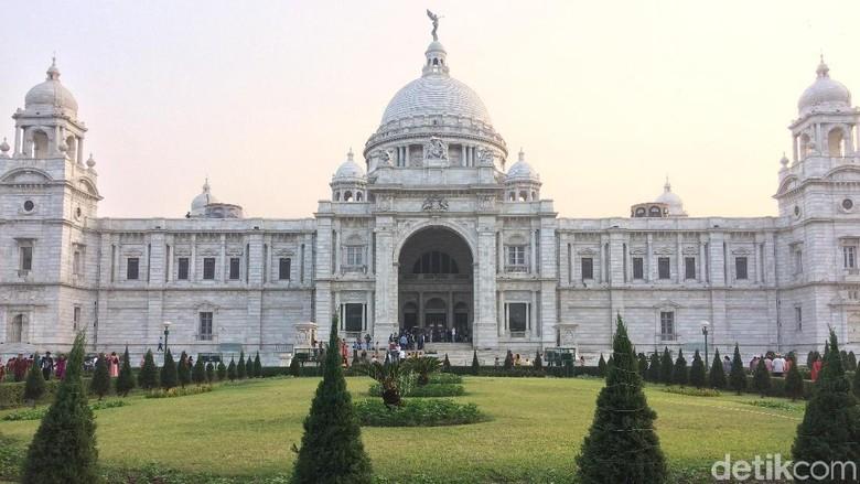 Victoria Memorial Hall landmark terkenal di Kolkata, India (Masaul/detikTravel)