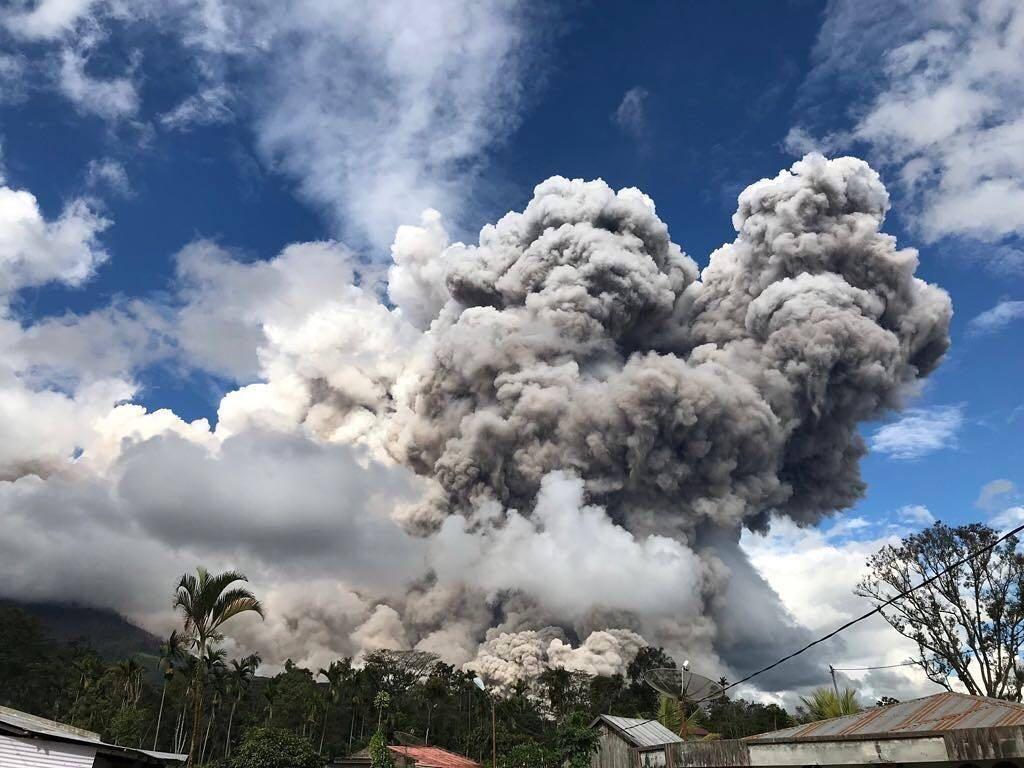 Gunung Sinabung Berstatus Awas, Waspadai Banjir Lahar