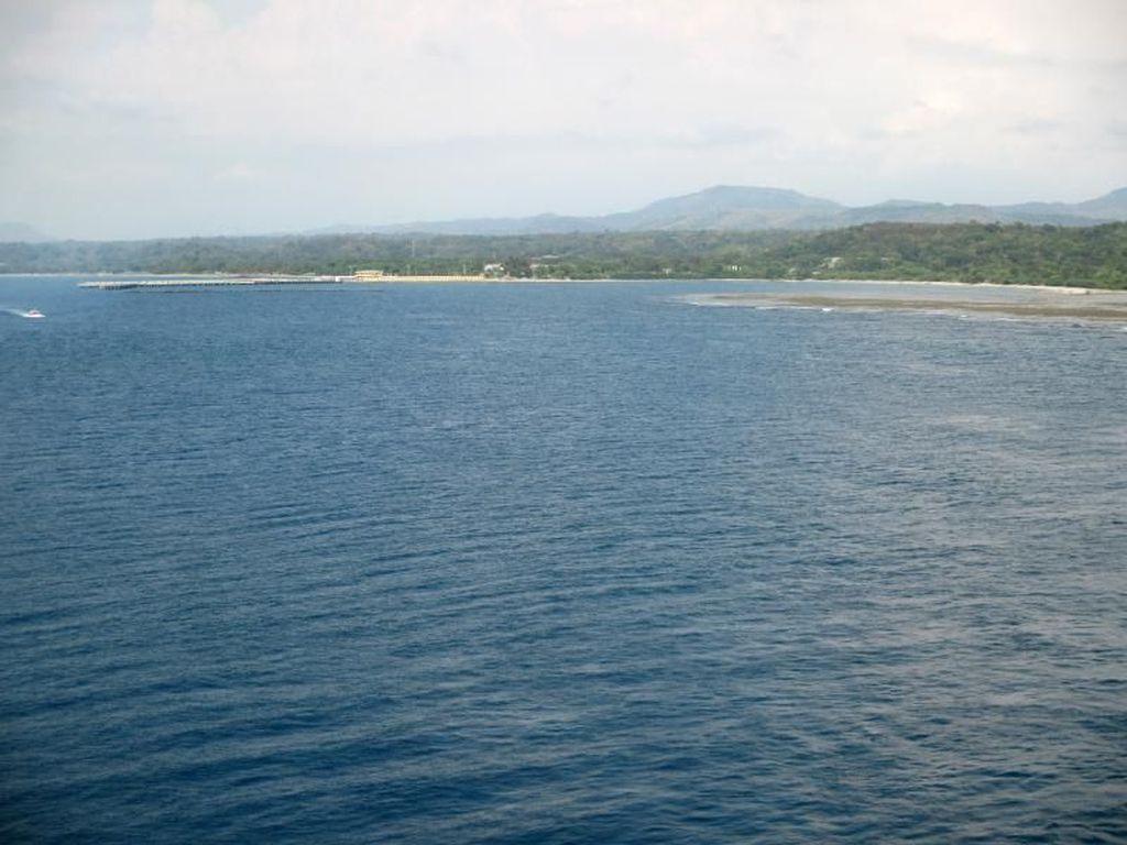 Sejuk Kepulauan Tropis dari Kapal Pesiar