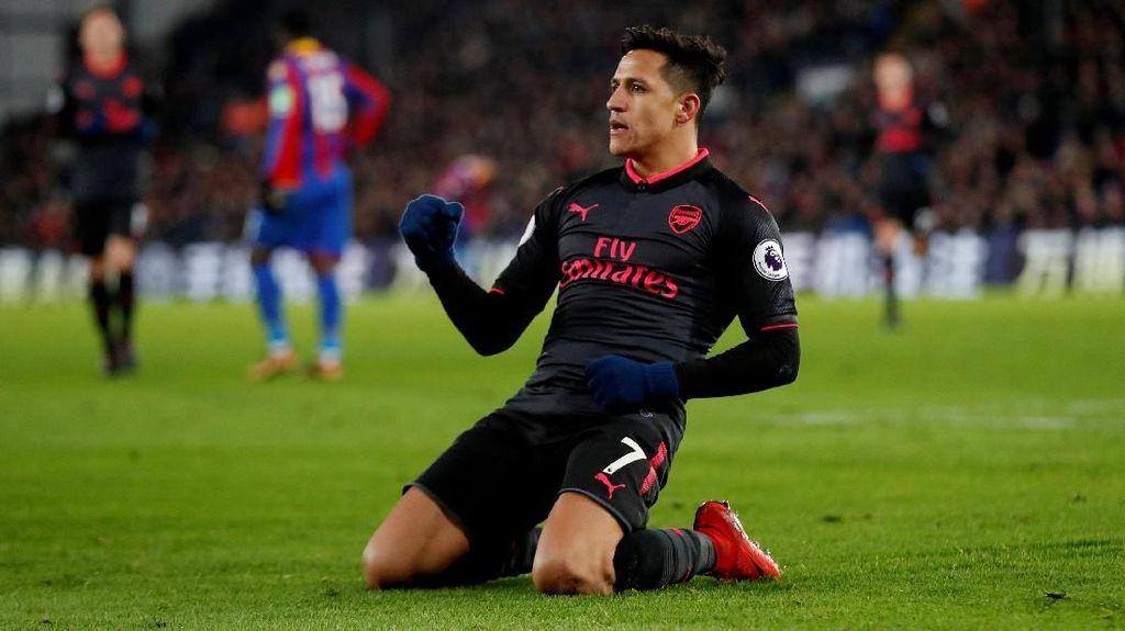 Tak Akan Jual Pemain ke Rival di Tengah Musim, Klopp Sindir Sanchez dan Arsenal?