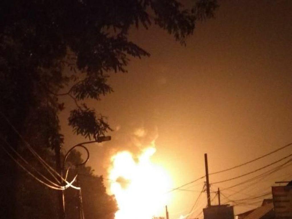 Foto: Kobaran Api di Kebakaran SPBU Jagakarsa