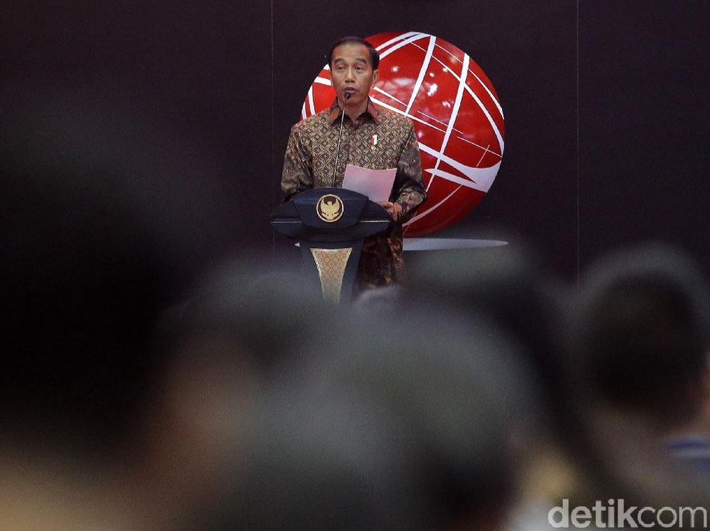 Jelang Pelantikan Jokowi, IHSG Dibuka Positif
