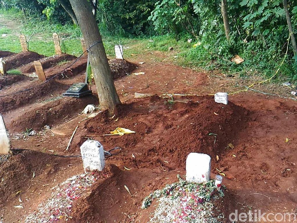 Penampakan Makam di Ciputat yang Dibongkar Orang Misterius